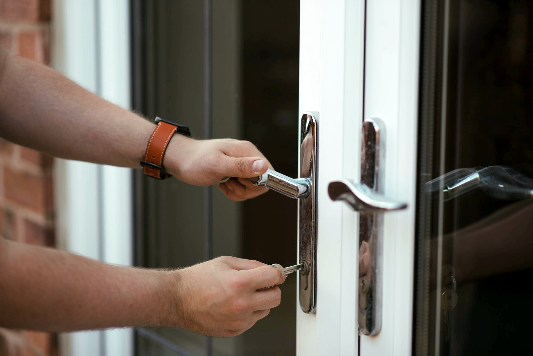 Fasteners & Hardware for Commercial Door and Window Manufacturers